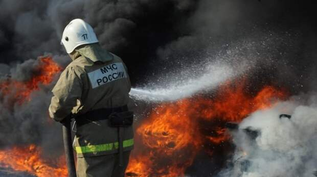 В Севастополе загорелся многоквартирный дом