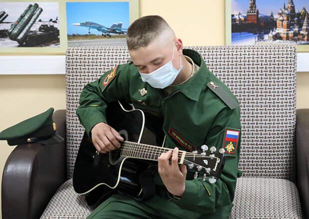 Более 3 тысяч военнослужащих общевойсковой армии ЗВО будут уволены в запас в начале июня текущего года