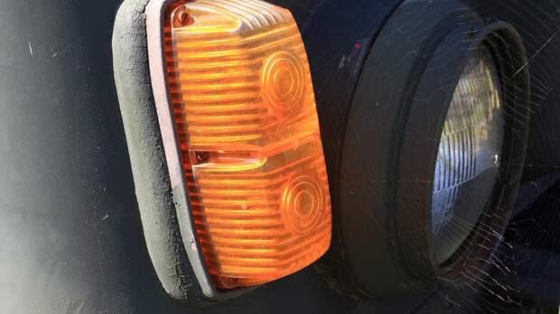 Как, когда и почему поворотники стали оранжевыми