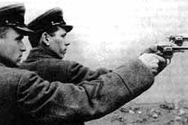 За какие преступления в Красной Армии казнили своих командиров