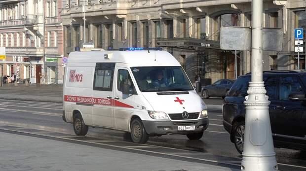 Массовое ДТП с участием такси произошло на Карамышевском проезде в Москве