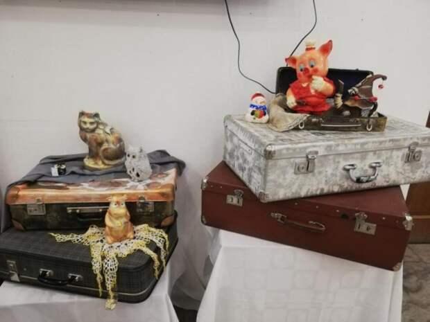 Выставка домашней статуэтки проходит в Бобруйске.