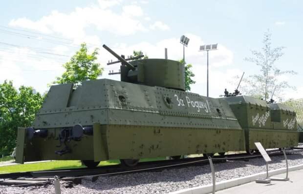 Танки на рельсах: как были устроены отечественные бронепоезда