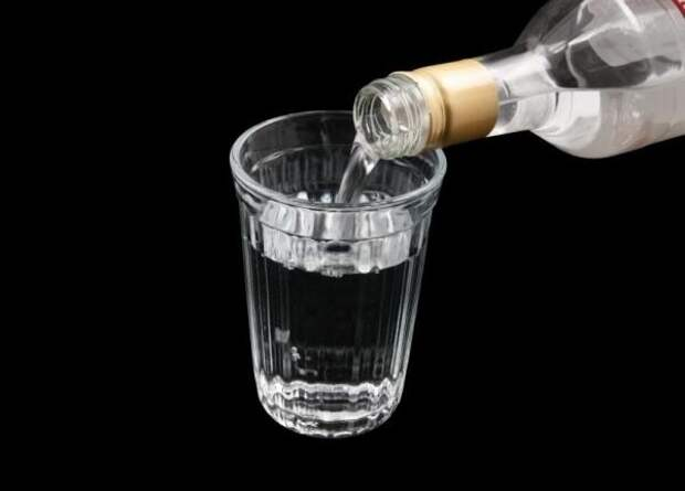 В Черноморске мужчина напоил ребенка алкоголем