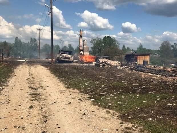 В новгородской деревне сгорели 20 домов и часовня