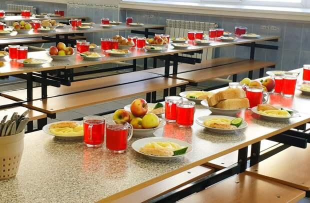 В школах Ленобласти появятся блюда для аллергиков