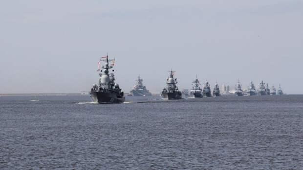 ВМФ РФ взял на сопровождение вошедший в Черное море британский военный корабль