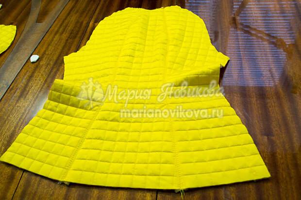 Спинка куртки с обработанными рельефами