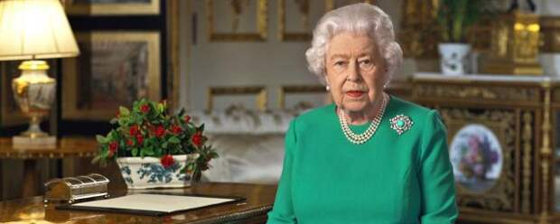 Королева Великобритании поздравила правнука Арчи с днем рождения