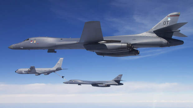 США перебросили на базу Эрланн в Норвегии четыре бомбардировщика B-1B