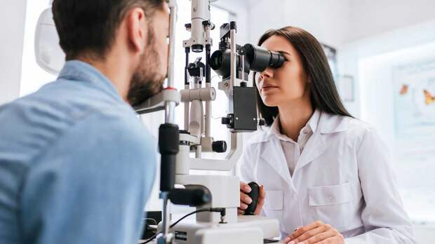 Популярное заблуждение о здоровье глаз развеял врач-окулист