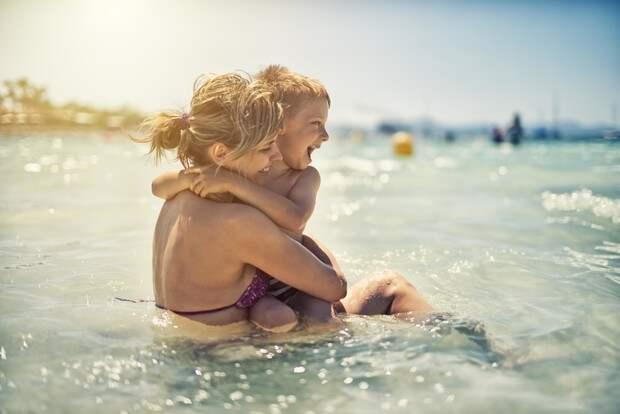 Море как лекарство: почему для детского здоровья так важен мамин отпуск