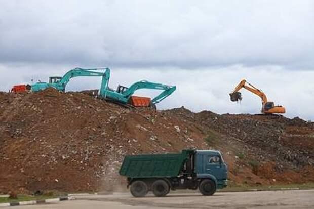 """Правительство готовит генеральную уборку мусора """"на суше и на море"""""""