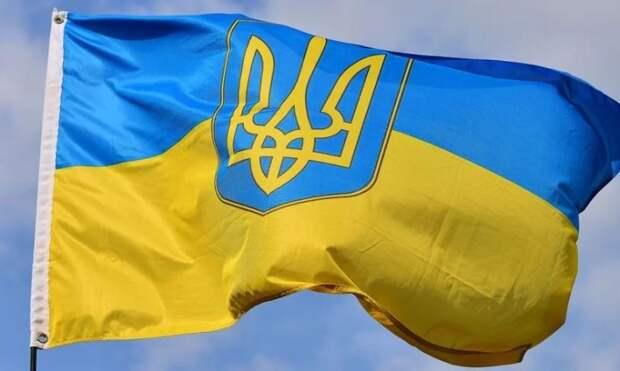 Даже обидно за Киев: Реакцию россиян на человека с символикой Украины сняли на видео
