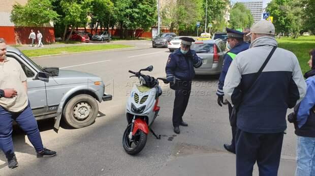 На Академика Комарова «Нива» столкнулась со скутером