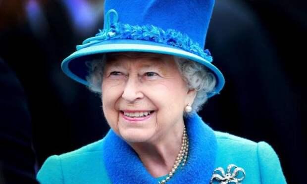 Елизавета II объяснила отказ от звания «Старушка года»