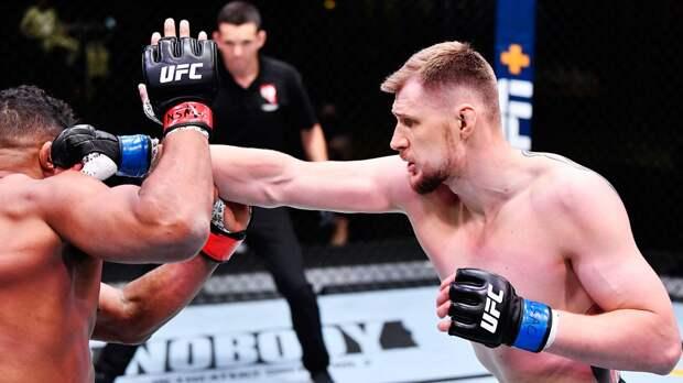 """""""Оверим задыхался от крови"""". Волков - о победе в UFC, попадании в больницу, чемпионском поясе и критике"""