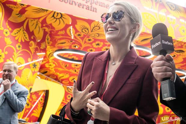Собчак публично уличила экс-солистку «Тату» Юлию Волкову, участвовавшую в праймериз ЕР, в незнании российских законов