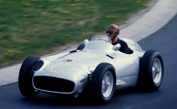 Машина для чемпионов. /Фото: upload.wikimedia.org