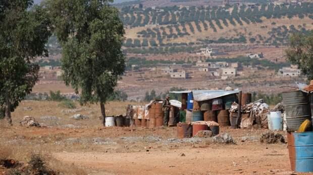Двое сирийских военных погибли при атаке террористов в провинции Идлиб