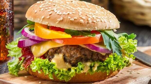 Американец погиб в драке за бургер