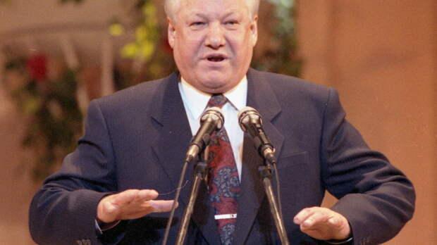 """""""Купи еды в последний раз"""": Ельцин врал, наблюдая крах России"""
