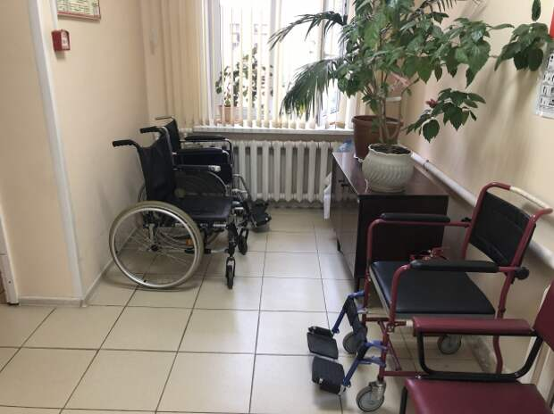 Инвалид-колясочник из Новомосковска добился пандуса через суд
