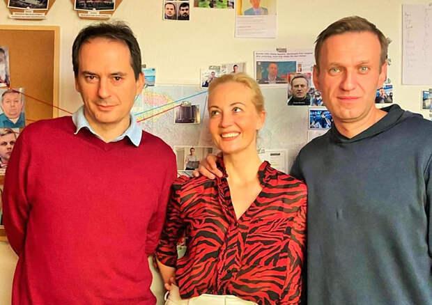 """""""Бэллингкэт"""" против Украины, вот это поворот. Зачем """"сливной бачок западных спецслужб"""" копает под украинское руководство"""
