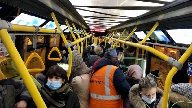 Автобус с пассажирами загорелся на западе Ростова-на-Дону
