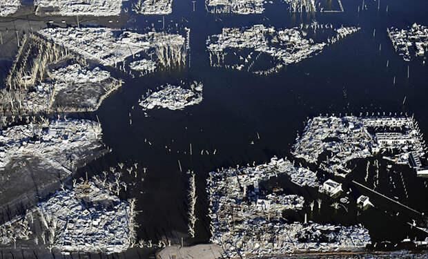 Озеро обмелело и показало людям город, который ушел под воду 30 лет назад