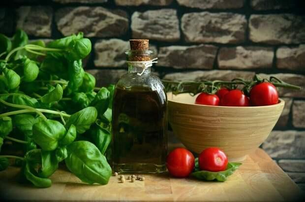 Замена майонеза: 6 лучших ПП-заправок для салатов