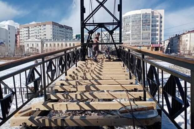 В Якутске завершают ремонт вантовых мостов через озеро Теплое