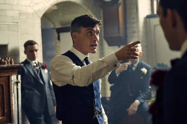 Кадр из сериала: Острые козырьки. \ Фото: film.ru.
