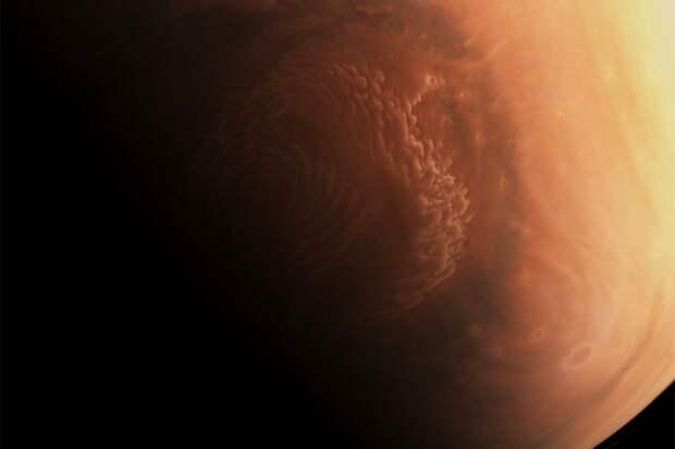 Впервые на поверхность Марса сел китайский спускаемый аппарат