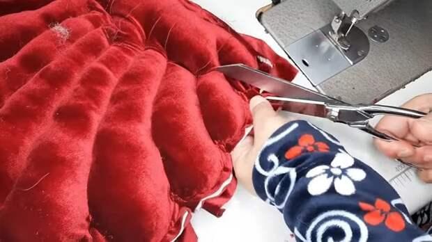 Отличная идея: сшить подушку-ракушку для вашего дивана и кресел