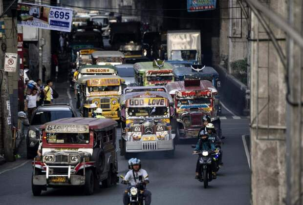 5 фото разноцветных филиппинских маршруток джипни