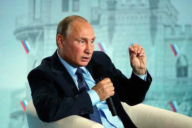 Путин заявил, что не нужно путать братский украинский народ и правительство, но не был услышал