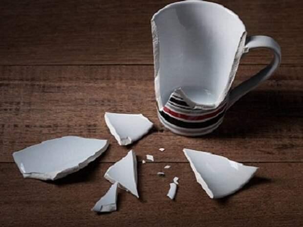 Из-за чего в доме часто ломаются и теряются вещи?