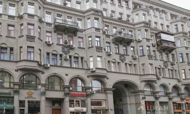 В Москве по сниженной ставке продают помещение в доме 1917 года на Петровке