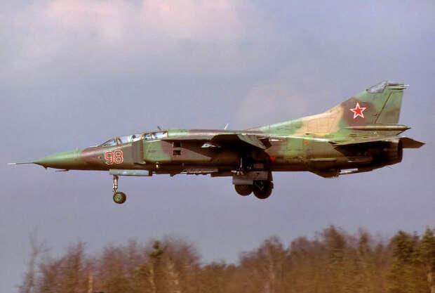 Во время полета МиГ стал терять высоту. |Фото: rusdialog.ru.