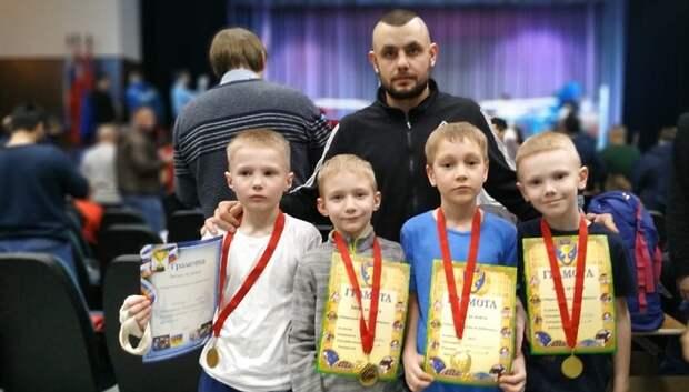 Пятеро подольчан победили в турнире по кикбоксингу «Битва за пояса»