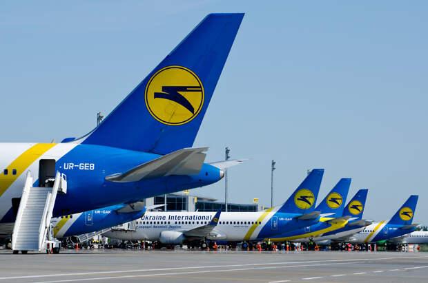 Зачем Зеленский убивает крупнейшую авиакомпанию Украины
