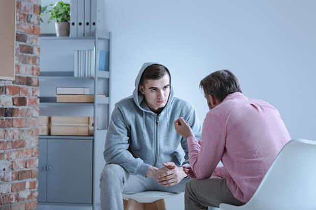 Психолог из Лианозова поделилась лайфхаками об устранении причин агрессии у подростков