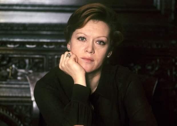 Три упущенные роли Алисы Фрейндлих: В каких звёздных фильмах Рязанова её заменили и почему