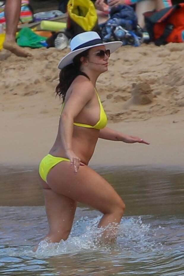 Oops i did it again: Бритни Спирс на пляже