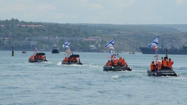 Черноморский флот продемонстрировал в Севастополе мощь, скорость и ловкость