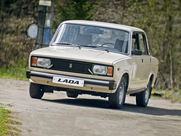 Возрожденную LADA 2105 показали на рендерах