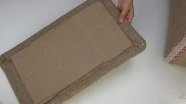 Что можно сделать из обычной мешковины и пластмассового ящика