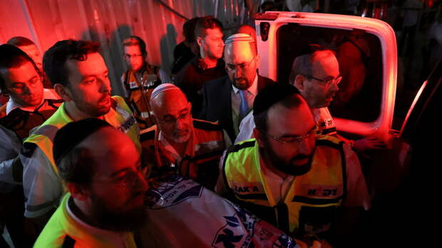 В службе скорой помощи назвали число пострадавших после обрушения трибуны в Израиле