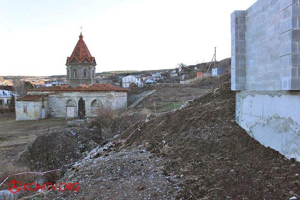 Стройка у феодосийской армянской церкви святого Георгия приостановлена